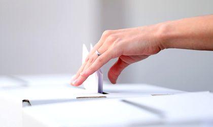 Polls open on second day of Romania's referendum on enshrining same