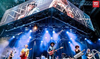 Concert REVIEW: Arcade Fire burns and smoulders in Bucharest